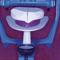 2. Centrage de la maquette porteuse du modèle sur la table de transfert.